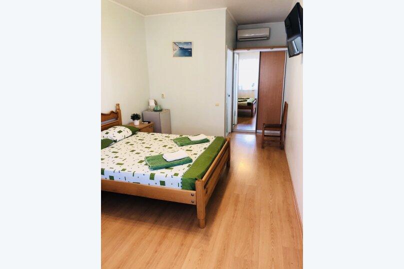 Двухместный стандартный номер с общей кроватью, улица Чапаева, 16, Геленджик - Фотография 1