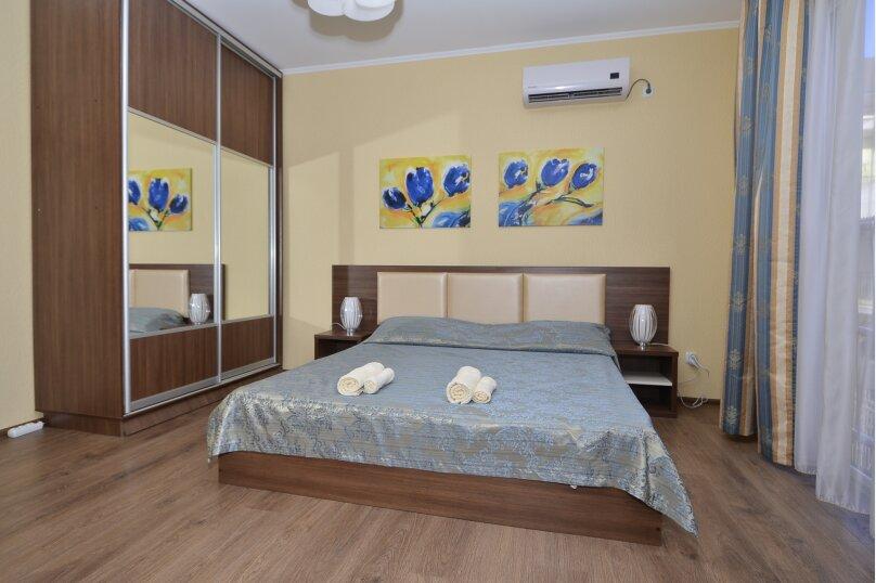2-комнатный люкс с французским балконом, Морская, 31, Саки - Фотография 1