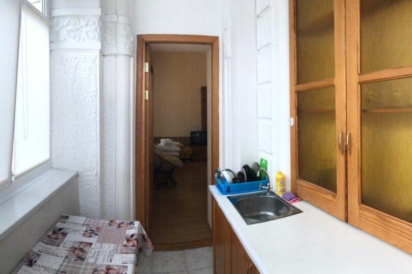 1-комн. квартира, 30 кв.м. на 4 человека, улица Рузвельта, 2, Ялта - Фотография 4