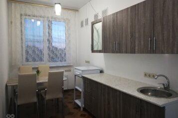 2-комн. квартира, 34 кв.м. на 4 человека, Октябрьская, 1а, Витязево - Фотография 1