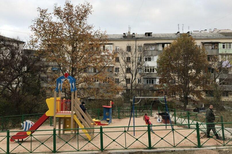 1-комн. квартира, 32 кв.м. на 4 человека, улица Репина, 18, Севастополь - Фотография 2