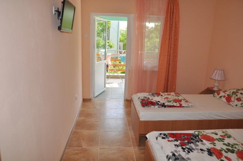 Гостиница 946284, улица Некрасова, 6 на 10 комнат - Фотография 19