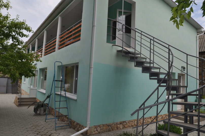 Гостиница 946284, улица Некрасова, 6 на 10 комнат - Фотография 1