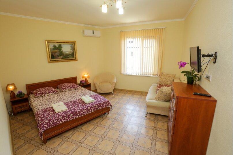 Отдельная комната,  1-я Балочная улица, 48, поселок Орджоникидзе, Феодосия - Фотография 1