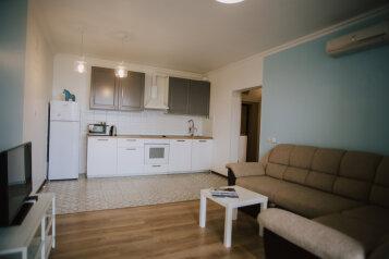 2-комн. квартира, 62 кв.м. на 4 человека, улица Войкова, Сочи - Фотография 1