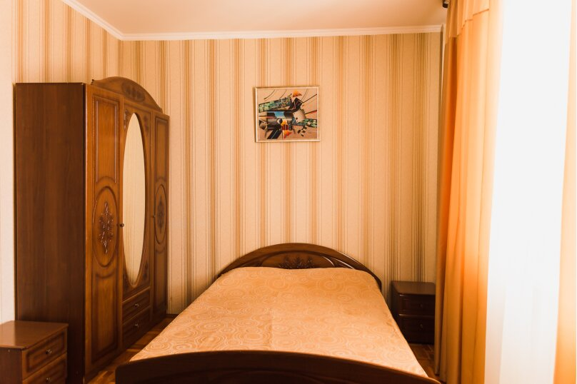 """Гостевой дом """"Клевер"""", Медовая улица, 24 на 28 комнат - Фотография 43"""