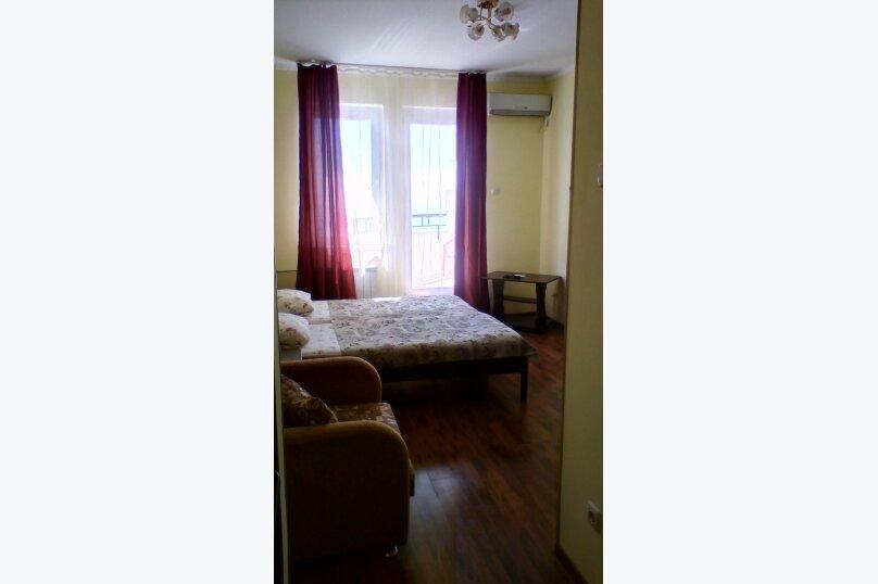 3х местный с балконом, улица Победы, 279, Лазаревское - Фотография 1