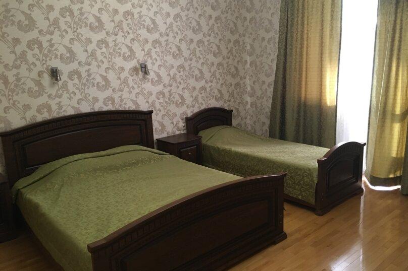 """Гостевой дом """"Кариота"""", улица Мира, 21А на 6 комнат - Фотография 18"""