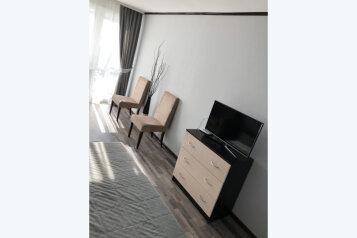 Апартаменты с отдельным входом в двухэтажном доме, 20 кв.м. на 3 человека, Качинское шоссе, 33Б, посёлок Орловка, Севастополь - Фотография 1