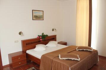 Апарт-отель , проспект Героев Сталинграда, 47 на 19 номеров - Фотография 2