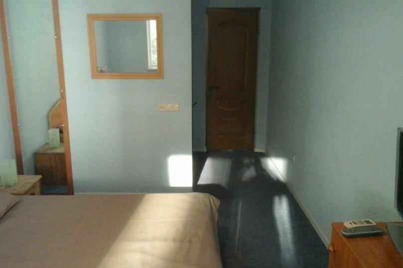 Стандарт с двухспальной кроватью, с балконом с видом на горы S4, Гагариной, 25/16, Утес - Фотография 3