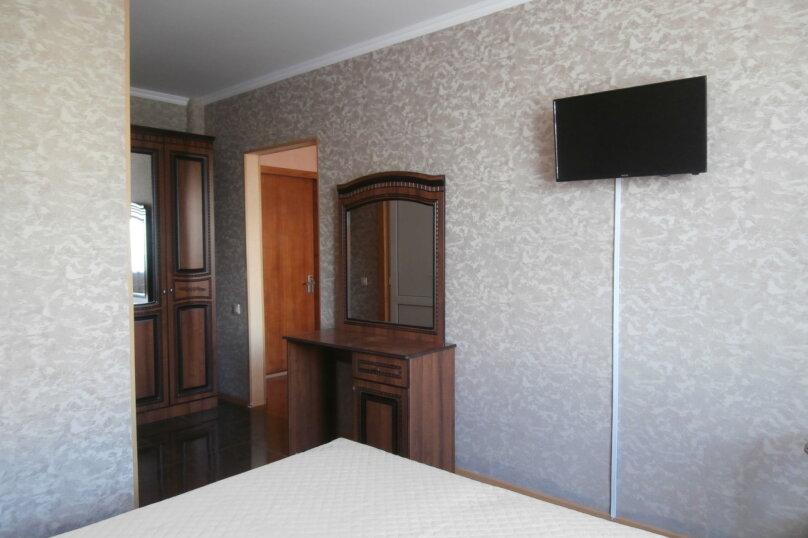 "Апартаменты ""У Жанны"", улица Павлика Морозова, 18А на 18 комнат - Фотография 14"