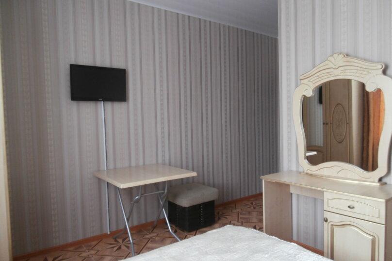 "Апартаменты ""У Жанны"", улица Павлика Морозова, 18А на 18 комнат - Фотография 18"