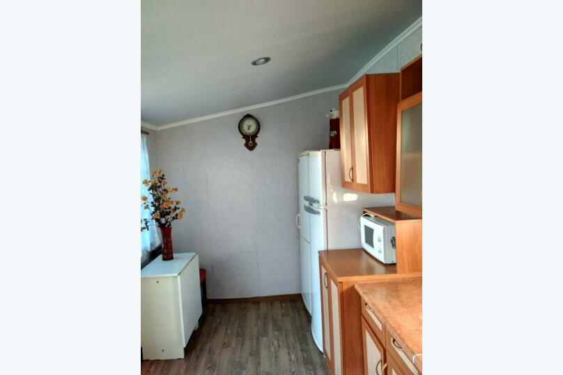 Гостиница 948561, Рабочая улица, 30 на 5 комнат - Фотография 2