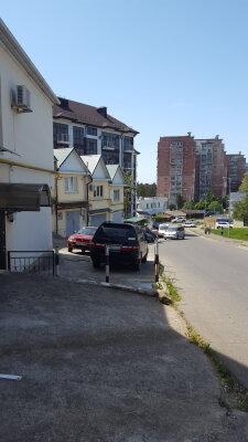 Дом, 70 кв.м. на 6 человек, 2 спальни, улица Коммунальников, 36, Лазаревское - Фотография 1