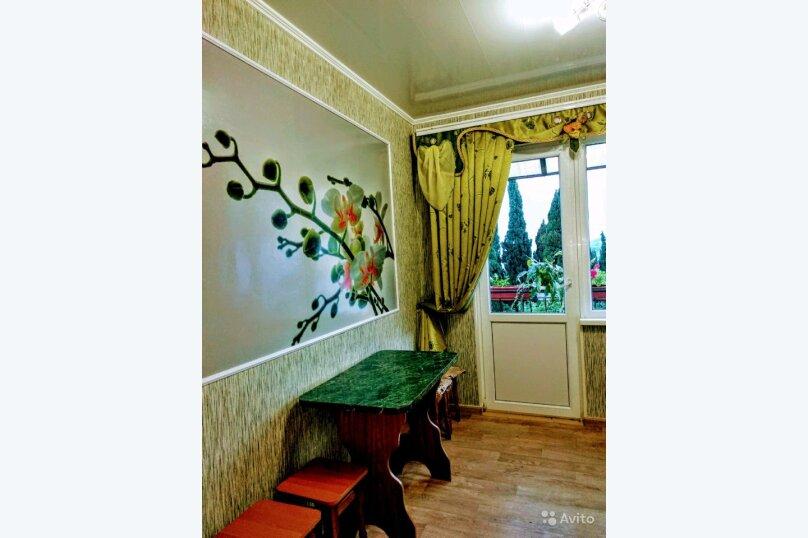 СДАМ ЭТАЖ ДОМА    В СПАЛЬНОМ РАЙОНЕ ГУРЗУФА С ВИДОМ НА МОРЕ И ГОРЫ(приём 4-6 чел), 60 кв.м. на 6 человек, 2 спальни, Коммунальная улица, 5, Гурзуф - Фотография 15