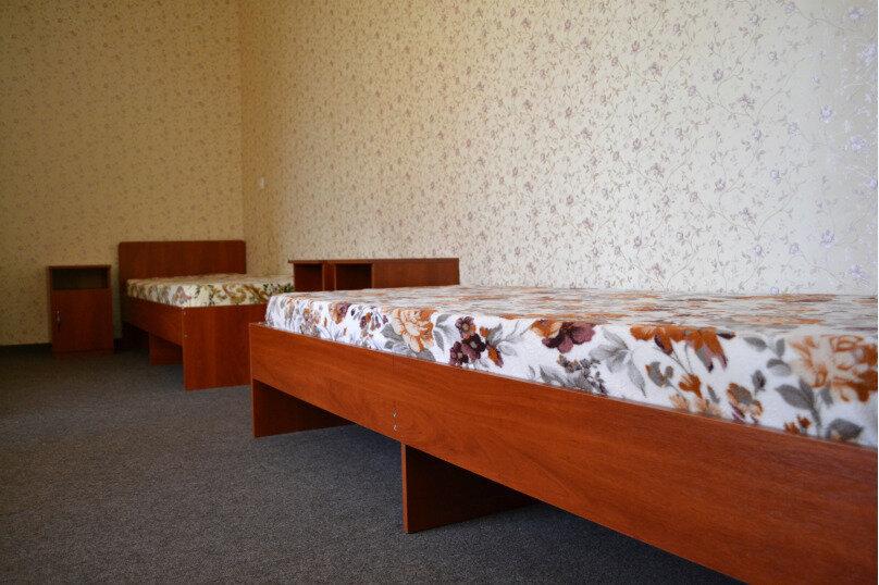 Апартаменты с кухней на втором этаже, Майская, 59б, село Андреевка - Фотография 1