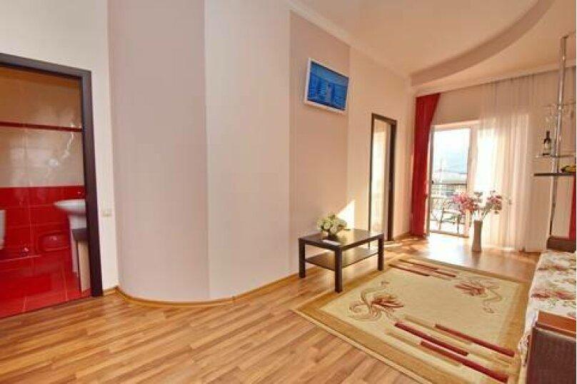 """Гостевой дом """"Прага"""", Партизанская улица, 58А на 8 комнат - Фотография 32"""