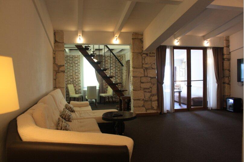 Отдельная комната, набережная Диоскуров, 4, Сухум - Фотография 1