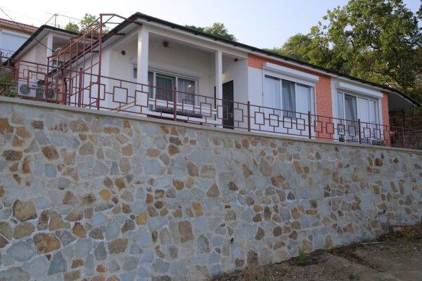 Домик для отпуска, 53 кв.м. на 6 человек, 2 спальни, Прибрежная улица 19 км Судакского шоссе, 24е, Сатера - Фотография 1