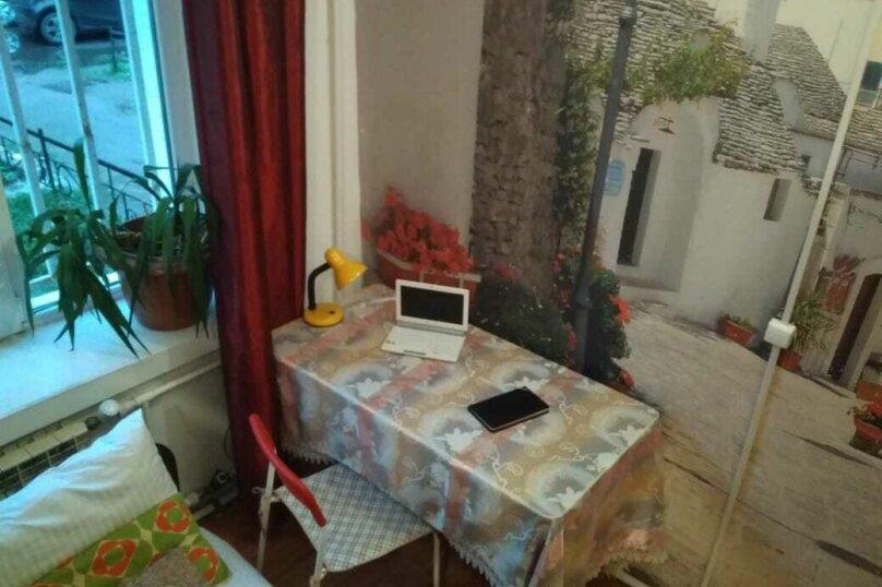 1-комн. квартира, 20 кв.м. на 3 человека, 13-я линия В.О., 80, Санкт-Петербург - Фотография 1