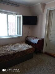 Двух этажный дом на участке 3 сот, 45 кв.м. на 7 человек, 2 спальни, Лесная, 50, Саки - Фотография 2