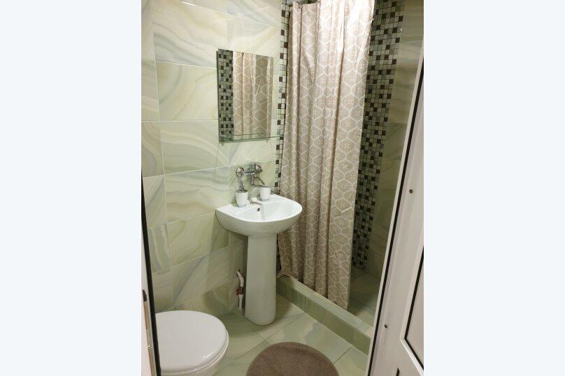 Трёхместный номер с собственной ванной комнатой и возможность доп.места, Луначарского, 50, Геленджик - Фотография 4