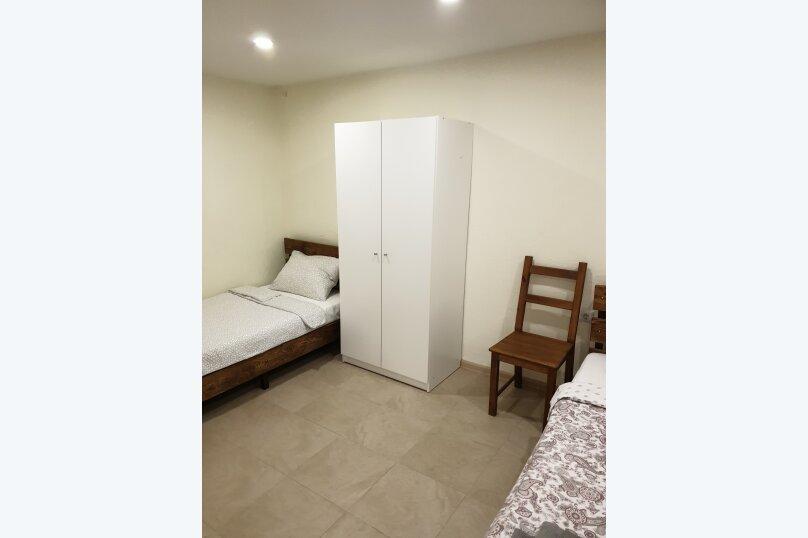 Трёхместный номер с собственной ванной комнатой и возможность доп.места, Луначарского, 50, Геленджик - Фотография 5