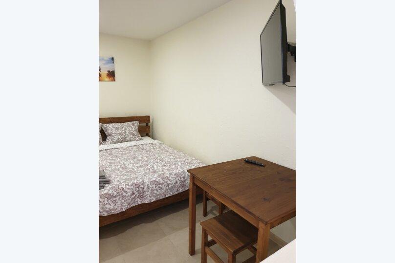 Трёхместный номер с собственной ванной комнатой и возможность доп.места, Луначарского, 50, Геленджик - Фотография 6