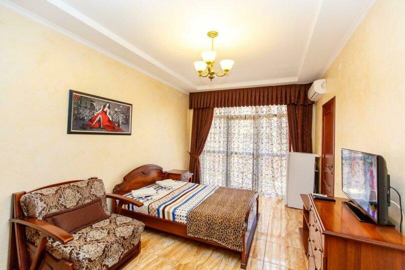 Трехместный номер с собственной ванной комнатой и балконом, Черноморская улица, 1, Дивноморское - Фотография 2