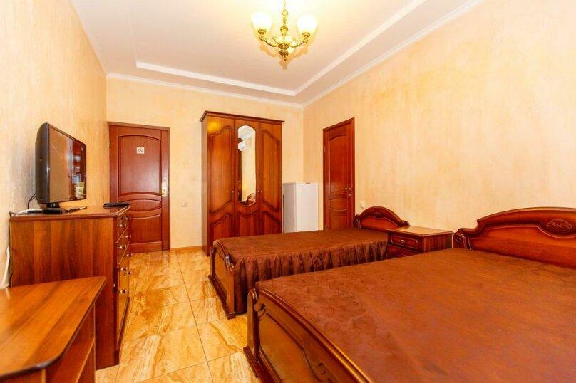 Трехместный номер с собственной ванной комнатой и балконом, Черноморская улица, 1, Дивноморское - Фотография 5