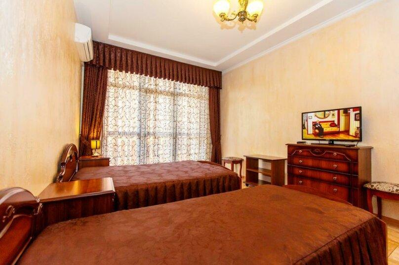 Трехместный номер с собственной ванной комнатой и балконом, Черноморская улица, 1, Дивноморское - Фотография 6