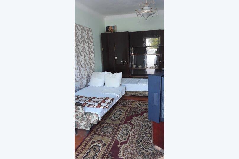 Гостиница 950714, улица Танкистов, 28 на 2 комнаты - Фотография 1