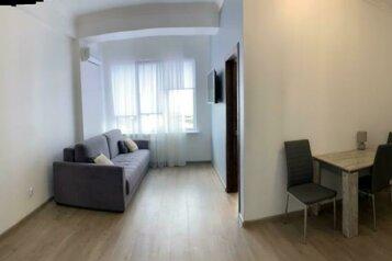 2-комн. квартира, 40 кв.м. на 4 человека, Платановая улица, 15, Сочи - Фотография 1