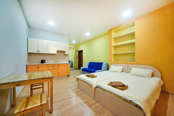 Отель-хостел, улица Молодых Строителей, 2 на 8 номеров - Фотография 1