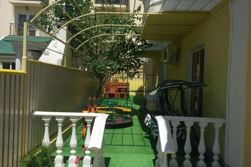 """Гостевой дом """"ФЛАГМАН"""", Новороссийская улица, 14А на 16 комнат - Фотография 2"""