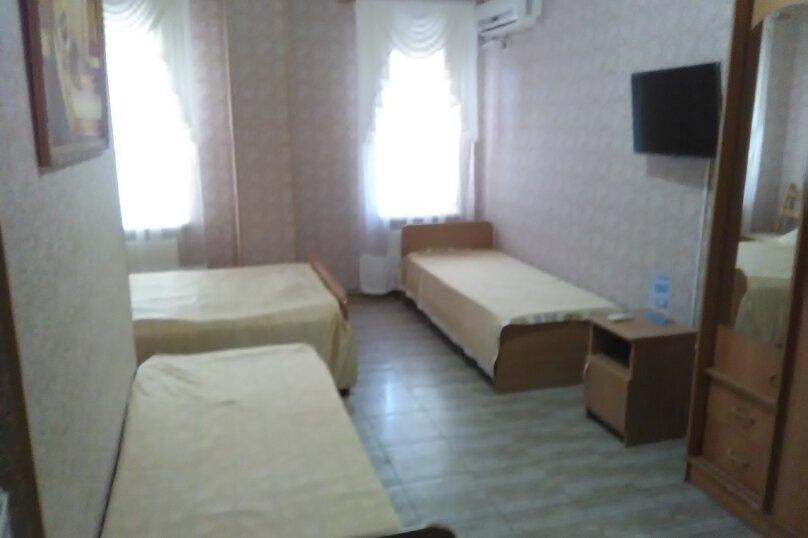 Четырехместный номер с общей ванной комнатой, Новороссийская улица, 18А, Кабардинка - Фотография 1