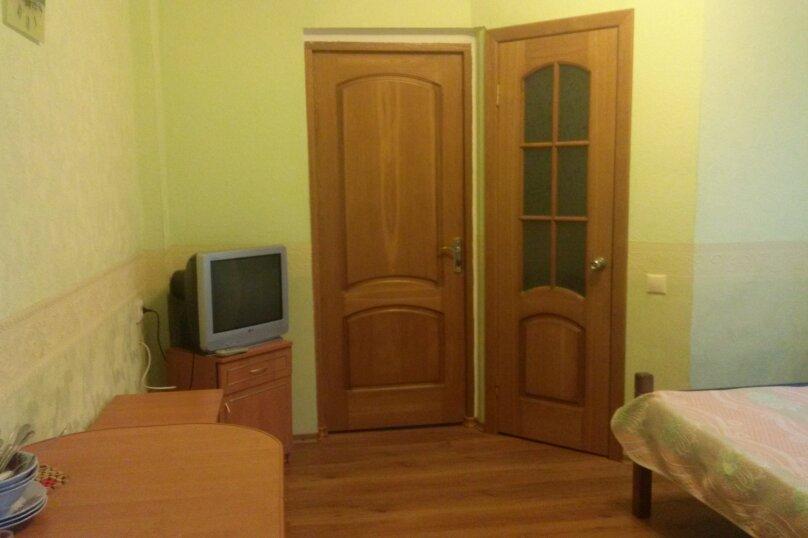 Однокомнатный двухместный номер с доп. местом, улица Танкистов, 15, Судак - Фотография 4