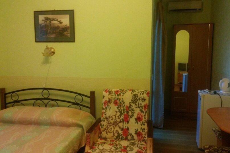 Однокомнатный двухместный номер с доп. местом, улица Танкистов, 15, Судак - Фотография 5