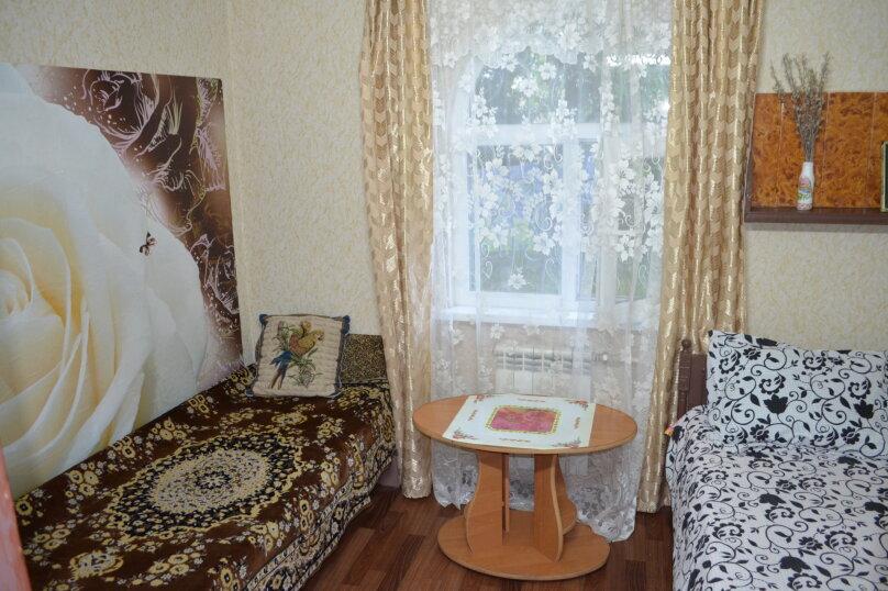 """Гостиница """"На Саранчева 2"""", улица Саранчева, 2 на 8 комнат - Фотография 24"""