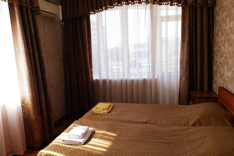 Двухместный  с 2 отдельными кроватями, доп.местом и террасой, улица Шевченко, 202А, Анапа - Фотография 1
