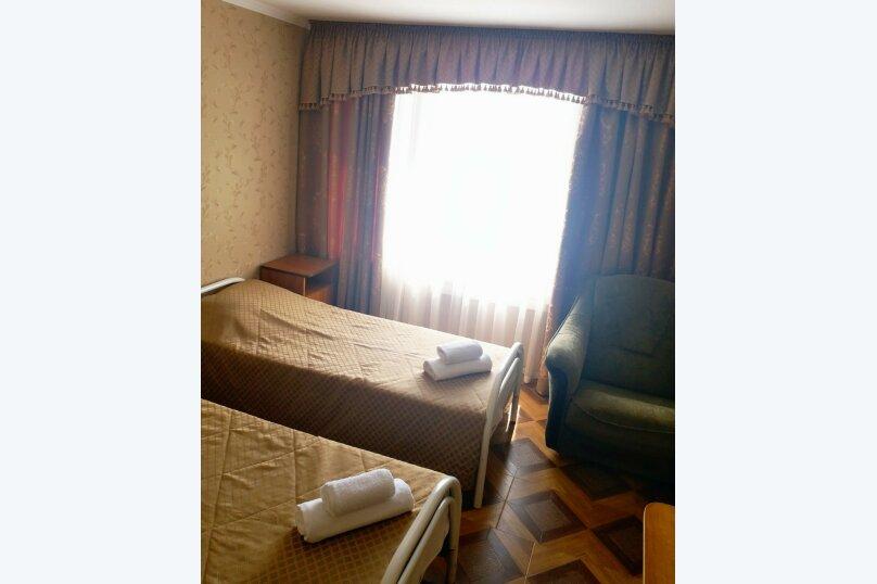 Бюджетный трёхместный номер без балкона, улица Шевченко, 202А, Анапа - Фотография 1