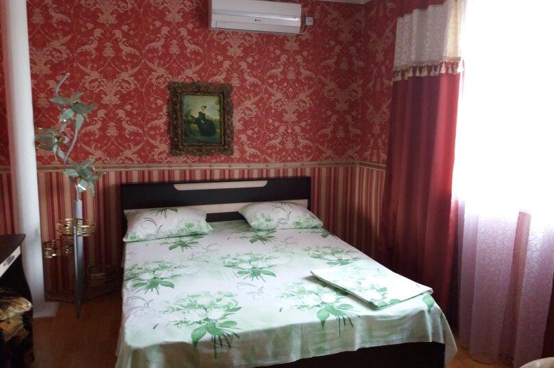 Дом-дача до 12 человек, 4 комнаты, большой двор, 200 кв.м. на 12 человек, 4 спальни, Раздольненское шоссе, 4, Евпатория - Фотография 24