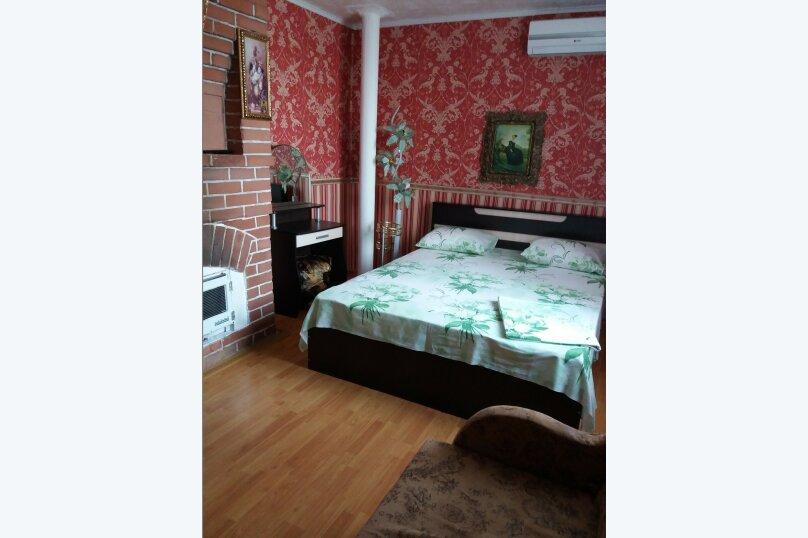 Дом-дача до 12 человек, 4 комнаты, большой двор, 200 кв.м. на 12 человек, 4 спальни, Раздольненское шоссе, 4, Евпатория - Фотография 25