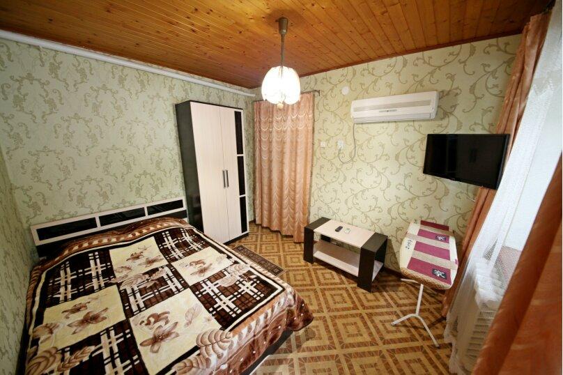 2-комн. квартира, 35 кв.м. на 3 человека, улица Самбурова, 23, Анапа - Фотография 1