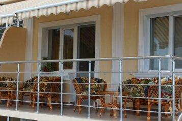 Апартаменты у моря в Крыму, улица Багрова, 16А на 2 номера - Фотография 2