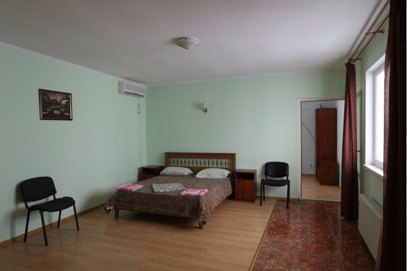 Семейный двухкомнатный с балконом 2.10, Краснофлотская улица, 2/1, Алушта - Фотография 1
