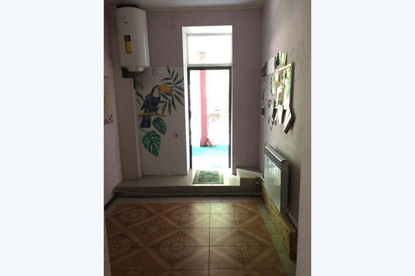 Гостевой дом на Дмитриева, улица Дмитриева, 7 на 8 комнат - Фотография 13