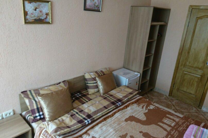 """улучшенный 2-ух местный с кроватью """" king size"""", Сурожская улица, 33, Судак - Фотография 1"""