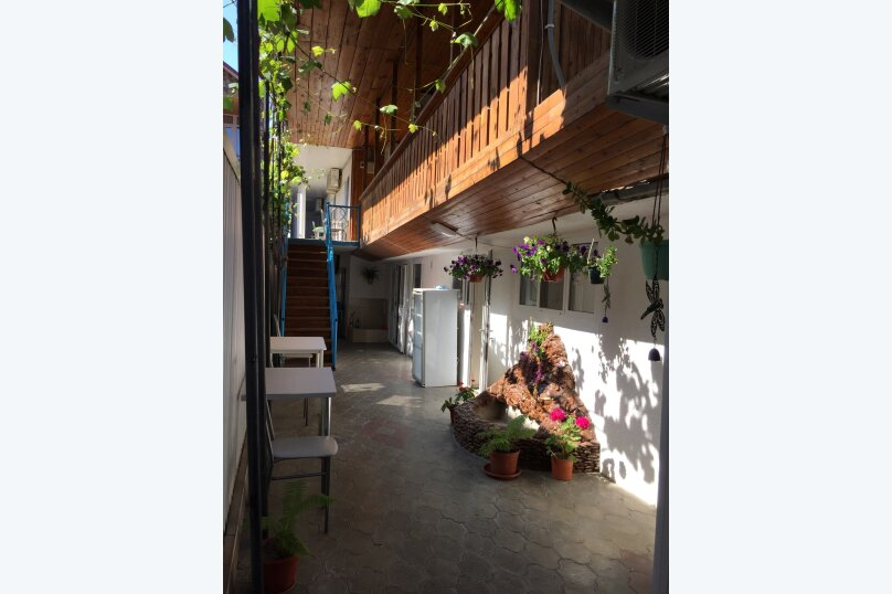 """Гостевой дом """"Бэлла"""", улица Кати Соловьяновой, 87А на 14 комнат - Фотография 10"""
